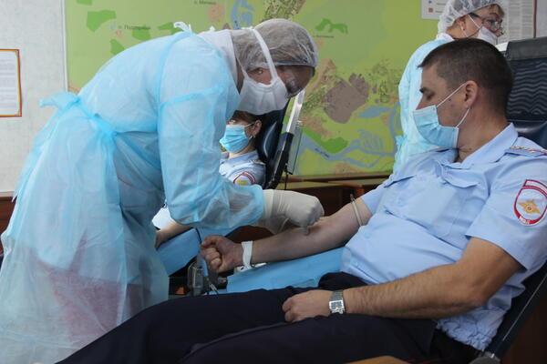 Сотрудники  ГИБДД Новокузнецка сдали кровь и стволовые клетки